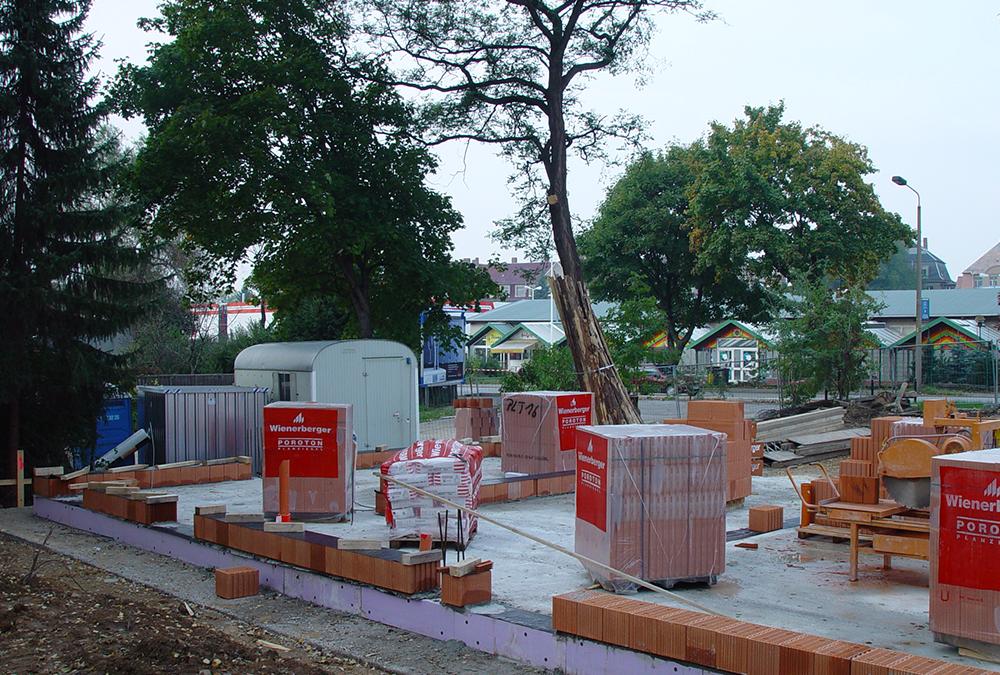 Beginn der Bauarbeiten am neuen Firmengebäude